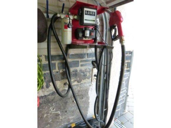 oil pump and gun fuel tank  for sale by auction