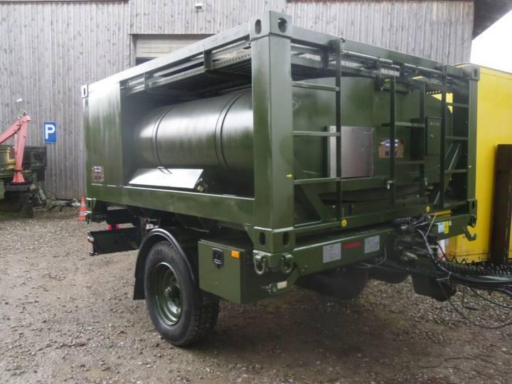 Schmitz Cargobull 5to  Bundeswehr Anhänger Trinkwasser FW BW THW - 2013