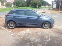 2016 Hyundai i20 1.4Sport with mags