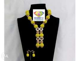 Simple yellow occasion bead