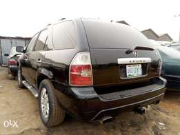 ADORABLE MOTORS: A Crispy Clean and sound 05 full option Acura MDX