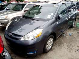 Toyota Sienna 2007 Model