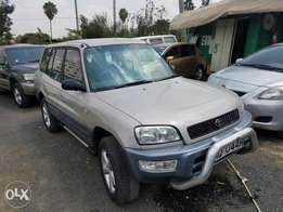 Toyota Rav 4 Manual transmission, very clean