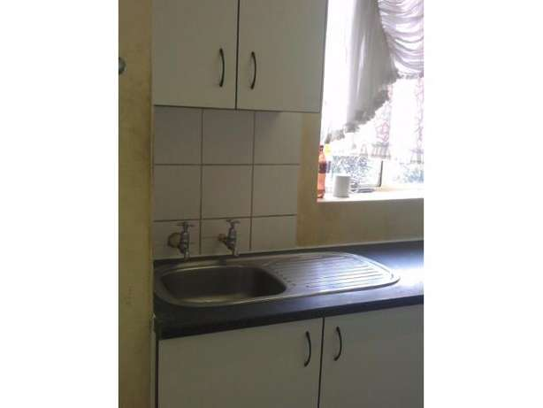 Spacious 2 Bedroom Flat for sale PRICE REDUCED!!! Kempton Park - image 5
