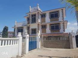 LUXURIOUS 4 Bedroom MANSION with servant quarter to let in NYAli