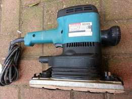 Makita Sander M9046 (.600w) –R2850 (Nice Condition)