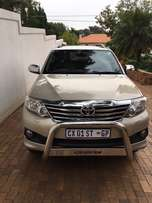Toyota Fortuner 2014, 4.0 V6 RB Limited Ed., petrol automatic 73,000km