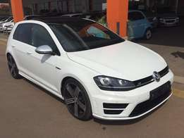 2016 GOLF 7 R 2.0 TSi DSG ( DEMO MODEL )