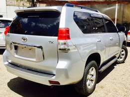 toyota prado 2009 fully loaded with sunroof 7 seater at 3,999,999/=ono