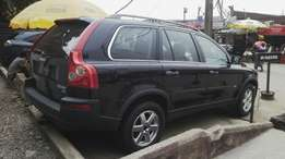 2004 Volvo jeep Xc 90 4WD.
