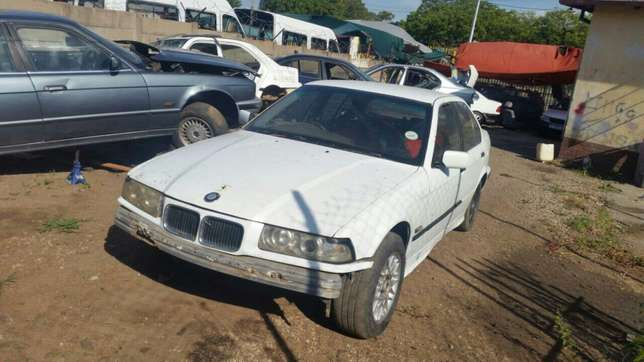 Bmw E36 stripping for spares and parts for sale Pretoria West - image 2