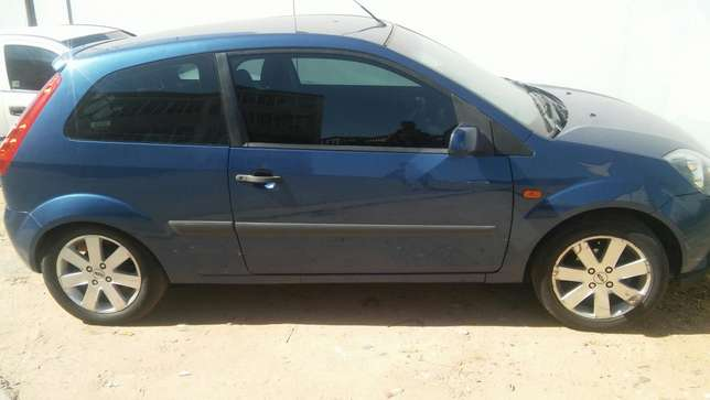 2008 Ford fiesta R54000 Negotiable Sandton - image 3