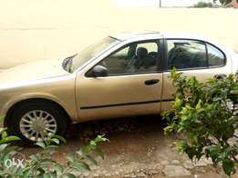 Clean Nissan maxima 2000 for sale