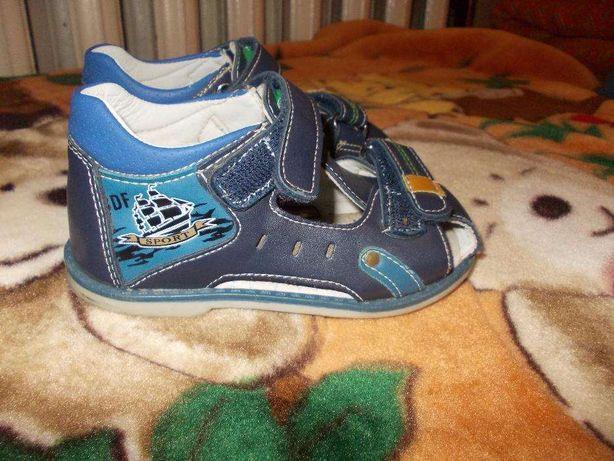 6b9009e3f Детские босоножки-сандали 25 р. на 3-4 годика Конотоп - изображение 1