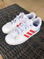 68a6681781f93 Białe buty sportowe Adidas Neo