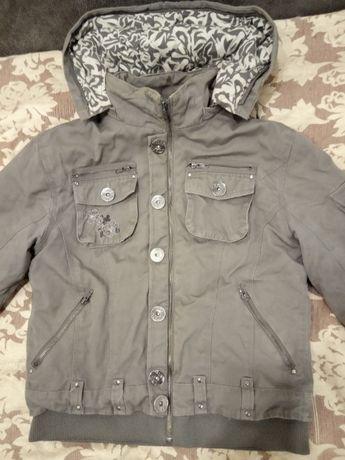 Жіноча утеплена котонова куртка  200 грн. - Жіночий одяг ... bd919aefad140