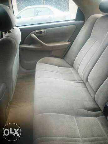Registered Toyota camry, 2002 model. Lagos Mainland - image 5