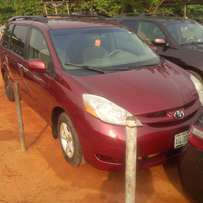 Perfectly used toyota sienna 2006 tincan cleared