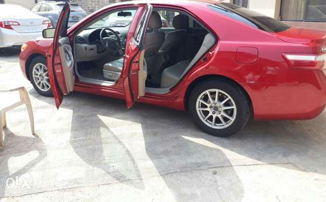 Mint Tomato Red 2008 Toyota Camry LE with neat leather & custom alloys Abule Egba - image 1