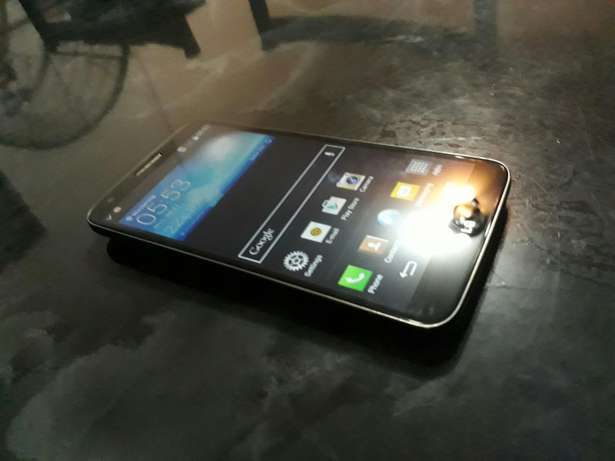 Lg G2 phone for sale with box and acc Brymore - image 5