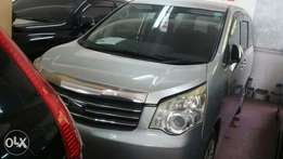 Toyota Noah 4by4
