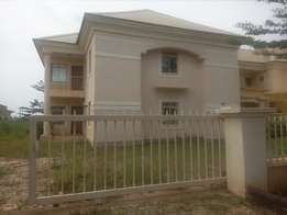 5bedroom semi detached duplex for sale in an estate at Galadimawa