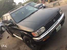 Nissan pathfinder 2000 model for fast sell