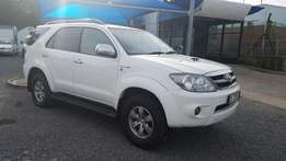 Queens Auto - 2008 Toyota Fortuner 3.0 D-4D 4x4 - Manual