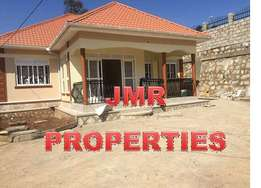 Well kept 4 bedroom bungalow for sale in Kyaliwajjala at 280m