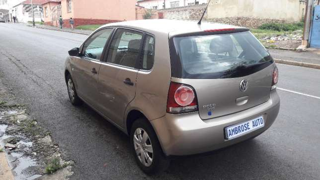 2015 Volkswagen Polo Vivo 1.4i is available Johannesburg CBD - image 5