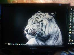 """Samsung Syncmaster 22"""" Inches monitor"""