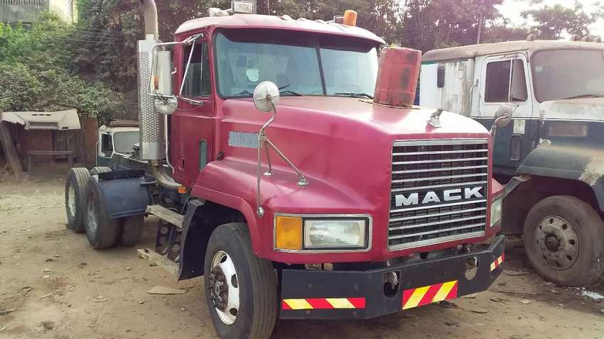 Mack CH Trailer Head for sale 0