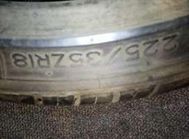 Selling 1 tyre
