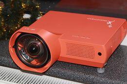 Аренда прокат видео проектора и экрана 2х2м, мобильная аудио система