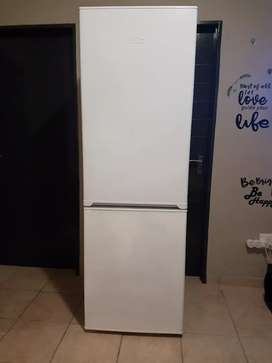 I'm selling  fridge in good condition