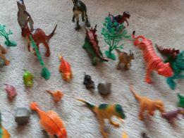 Dinozaury 41 szt.