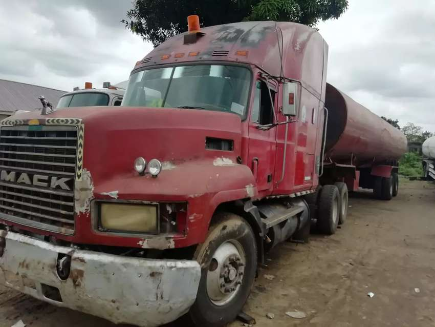 CH double Carbin Mack Truck for sale at give away price 0