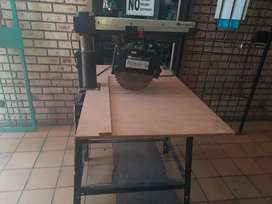 Rockwell Model 10 Deluxe Radial Arm Saw with Automatic Brake