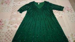 нарядное платье изумрудного цвета бренда Анжела Брукс