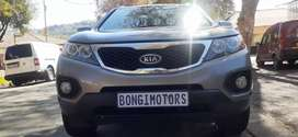 KIA SORENTO 3.5 V6 IN N EXCELLENT CONDITION WITH REVERSE CAMERA