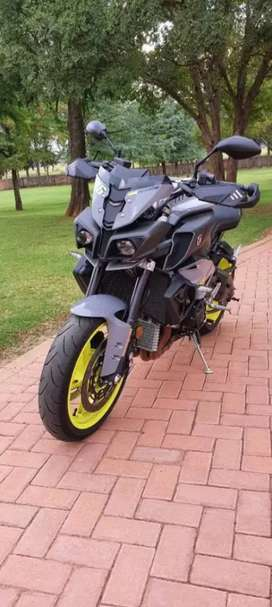 Mt-10 yamaha great condition and an awesome bike