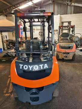 Toyota T2.5 Diesel 8 series forklift for sale