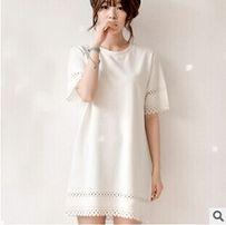 Милое платье белого цвета
