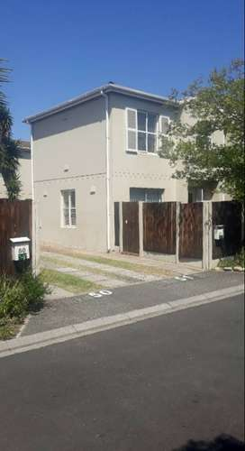 MMMMMMModern, Private And Well Located duplex for sale in Kenilworth