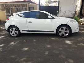 2010 Renault Megane, 135,000km, service book, leather interior