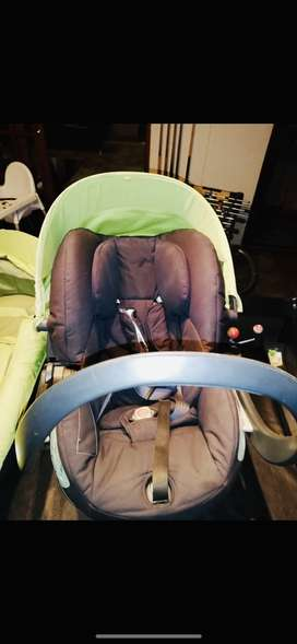 Stokke Xplory V3 set : Pram, Car seat, Isofix base, Carry cot & other