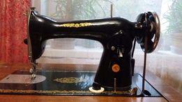 Швейная машинка Подольск класса 2М с тумбой и ножным приводом