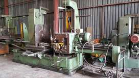 Horizontal boring mill.