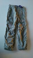 Nowe spodnie Reserved khaki 128 cm, hafty