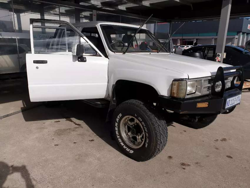 Toyota hilux 4x4 (hips)